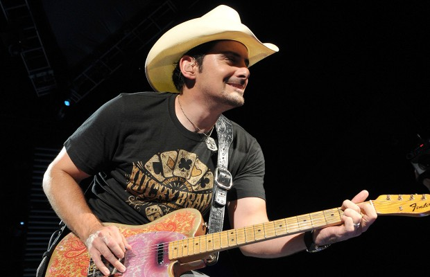 Brad Paisley Can't Beat The Winter Weather
